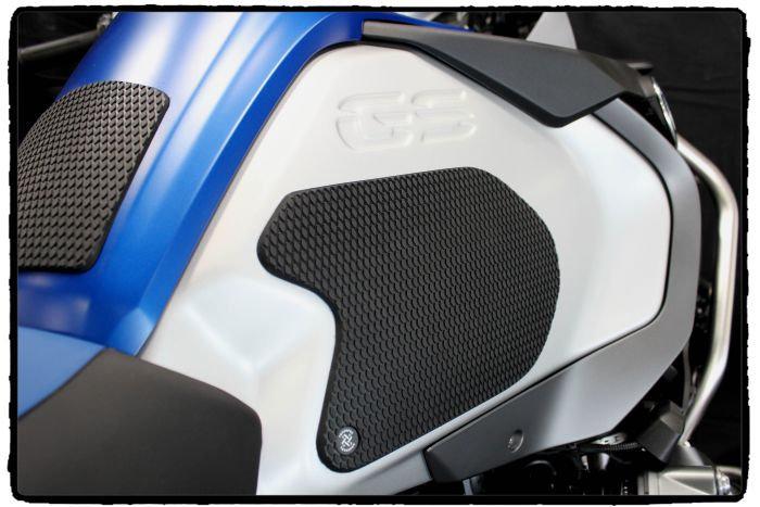 BMW R1200/1250 GS Adventure (2014 - CURRENT) Snake Skin Tank Grips