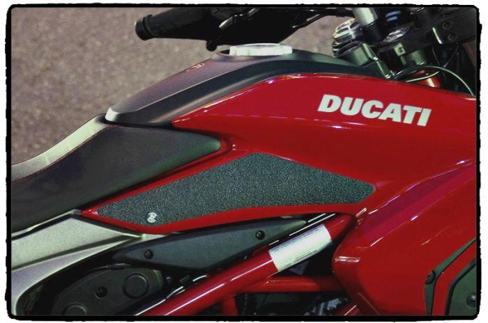 DUCATI HYPERMOTARD / HYPERSTRADA (2013 - CURRENT) Snake Skin Tank Grips