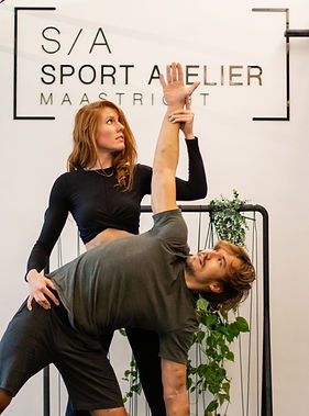 Loes Power Yoga Sport Atelier.jpg