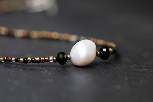 Pearl on Seed Bead w/ Crystal Details