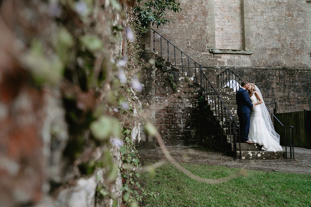 Wedding Photo Ideas at Clearwell Castle, Gloucestershire