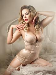 Pin up Model Heather Valentine