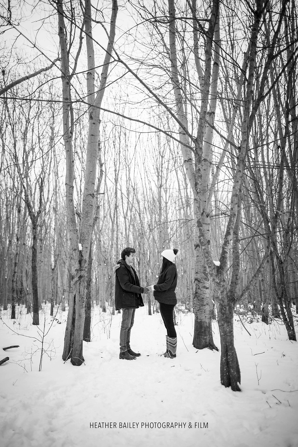 Winter Maternity Shoot in the Snow. Maternity Photo Shoot Ideas - Photography by Heather Bailey