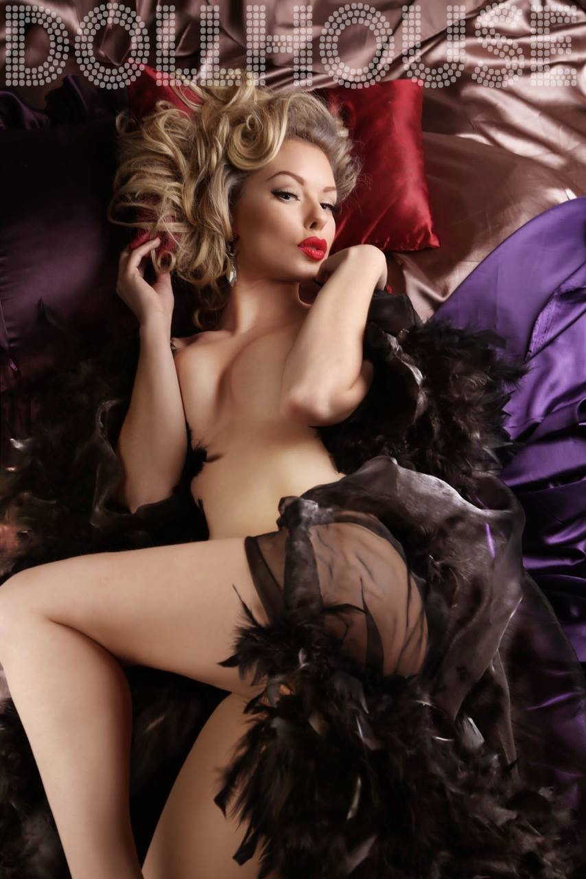 Heather Valentine Model by Dollhouse Photography