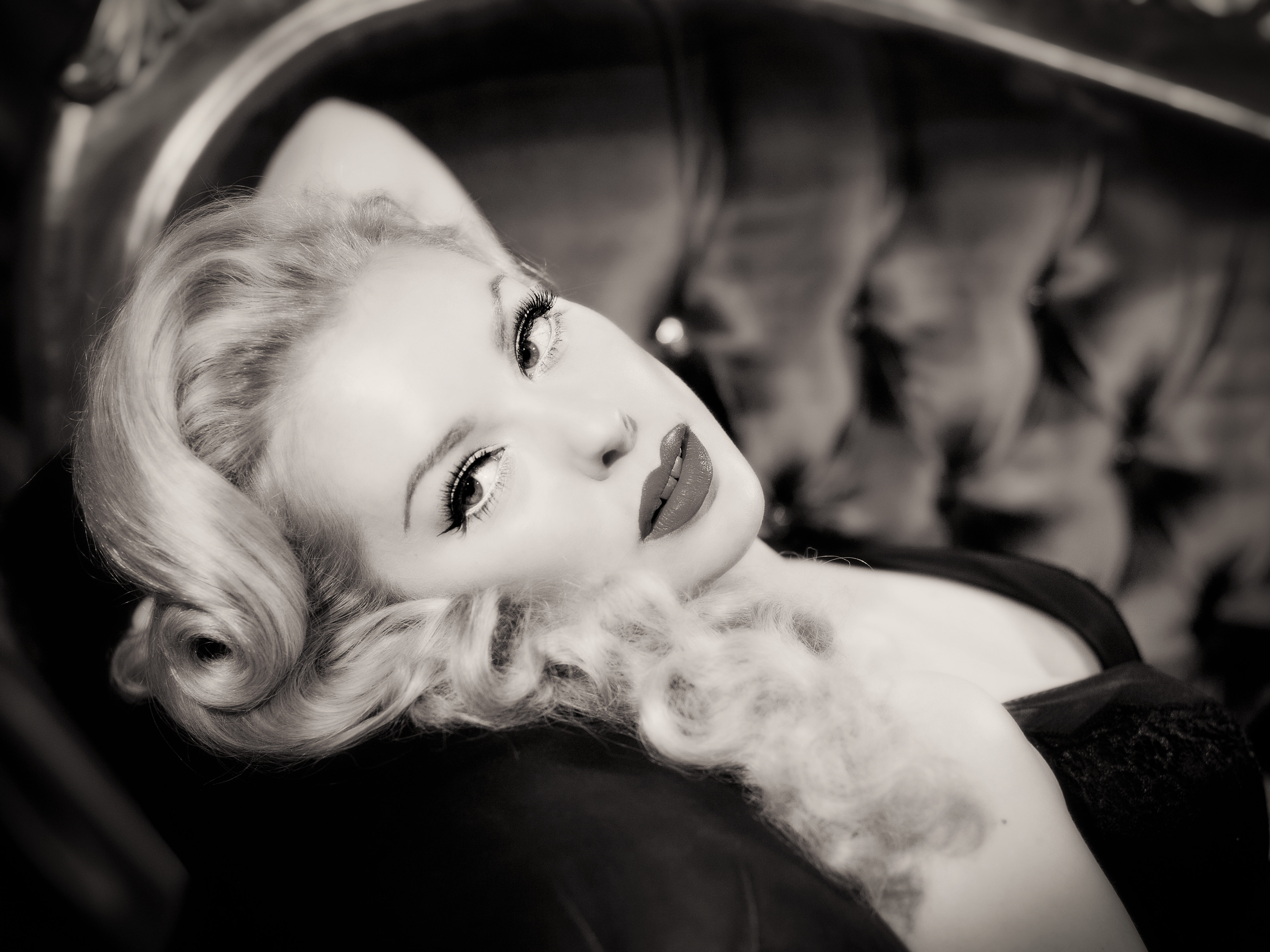 Hollywood Glamour Pin Up Modelling