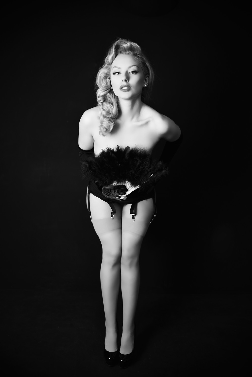 Heather Valentine Pin Up Model Burlesque Photo Shoot by Paulina Czochra Photography