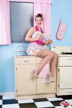 Kitchen Pin Up Ideas & Poses