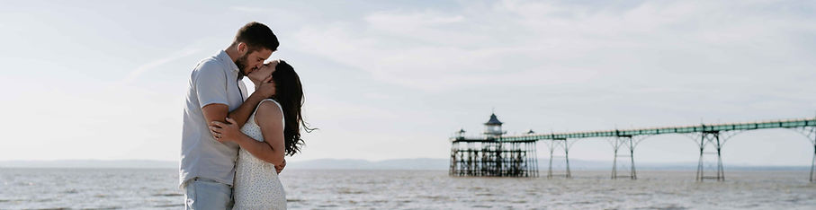 Clevedon_Pier_Engagement_Shoot-62.jpg