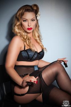 Sexy Pin Up Mistress