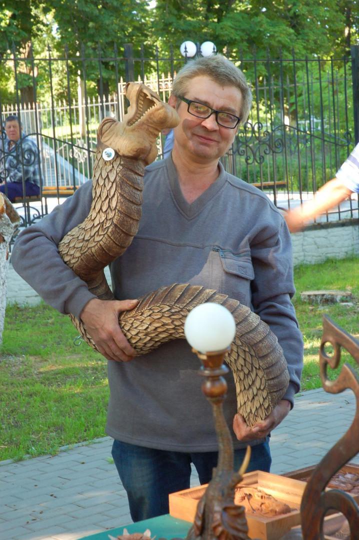 Геннадий Петраков - мастер резьбы по дереву