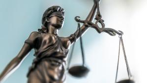 La signification de jugement à personne par les huissiers de justice reste impérative en Belgique