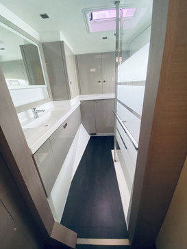 Reflection-Owners-Suite-Vanity-Shower.jp