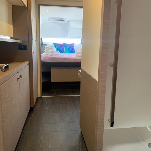 Phoenix-Owners-Suite-from-doorway-view_e
