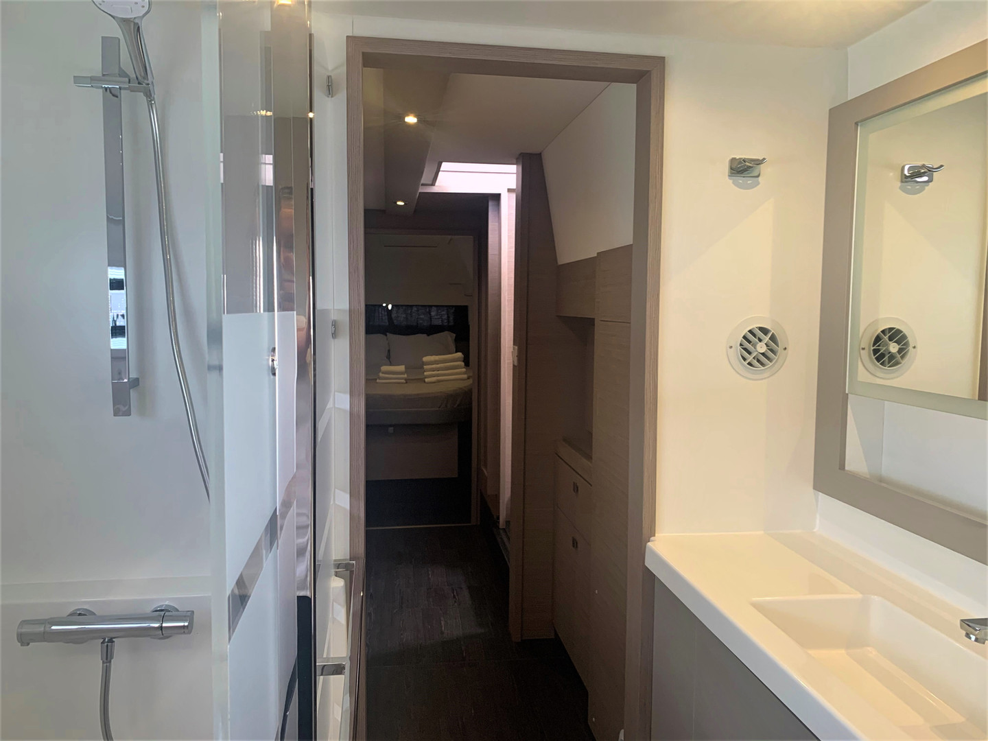 Twin Fins Master Bath-Owners Suite 2 (2)