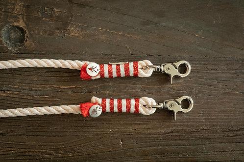 North Pole leash