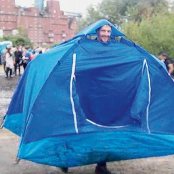 Tent3-Installation-Gabriela-Kobus-Zeitge