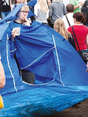 Tent2-Installation-Gabriela-Kobus-Zeitge