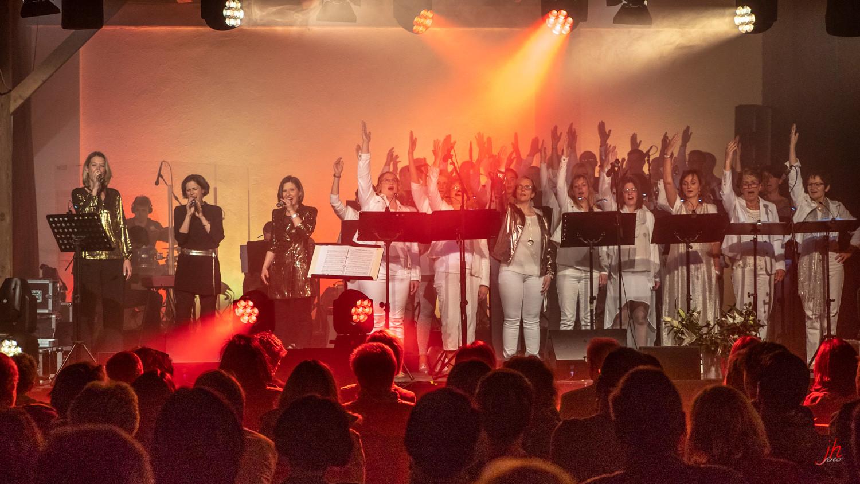 122 Gospel Konzert 2019 P5111362 -b.jpg