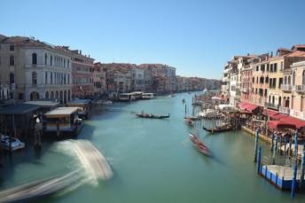 Timelapse of Boats From Rialto Bridge, Venice