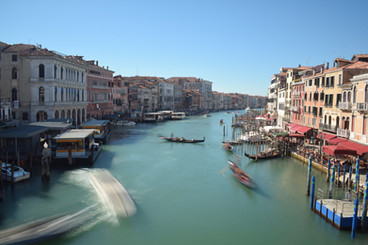 Timelapse of Boats From Rialto Bridge, Venice