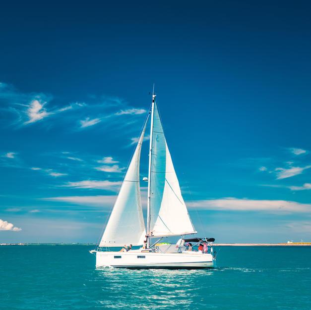 美麗的單體帆船