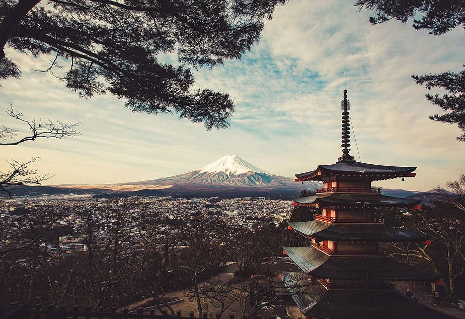 Landscape Photo of Mount Fuji in Japan by Wix Photographer Alfonso Calero
