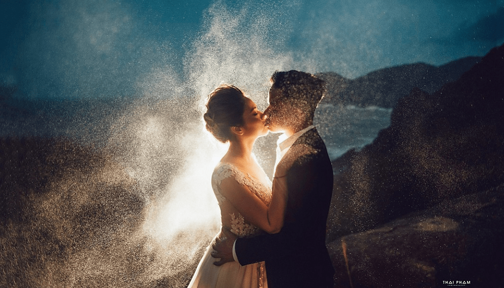 beautiful wedding picture on the beach by Wix Photography Thai Pham