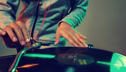 Free Ways to Promote Yourself as a DJ