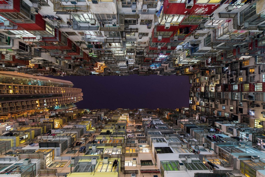 Beautiful picture of Hong Kong buildings by Wix landscape photographer Albert Dros