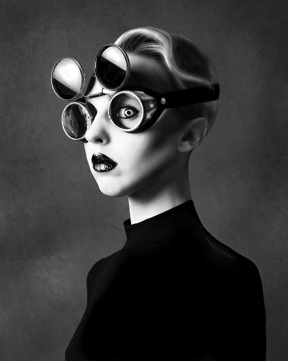 Black & White Self-portrait wit glasses by Wix Photographer Juliette Jourdain
