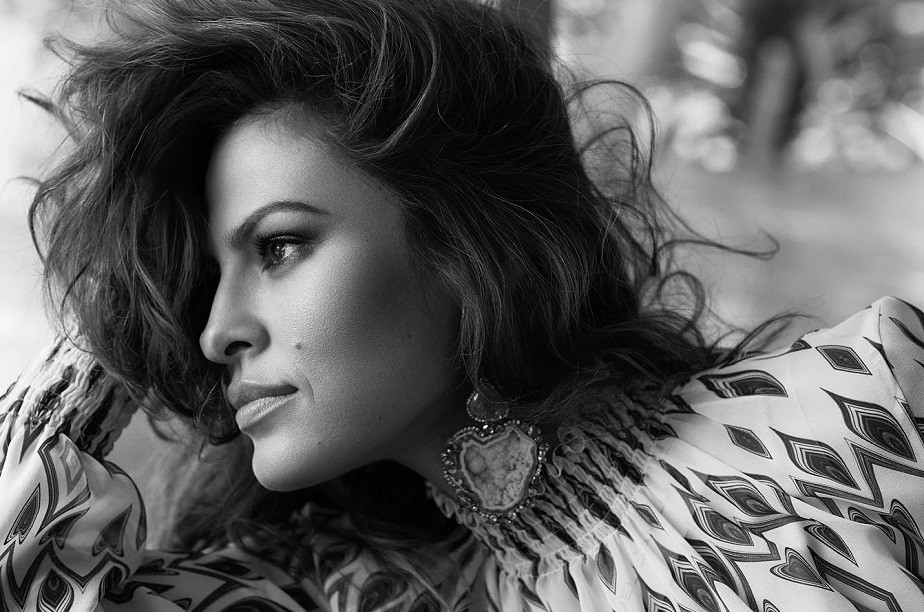 Black and White Portrait of Eva Mendes by Wix Photographer Diego Uchitel