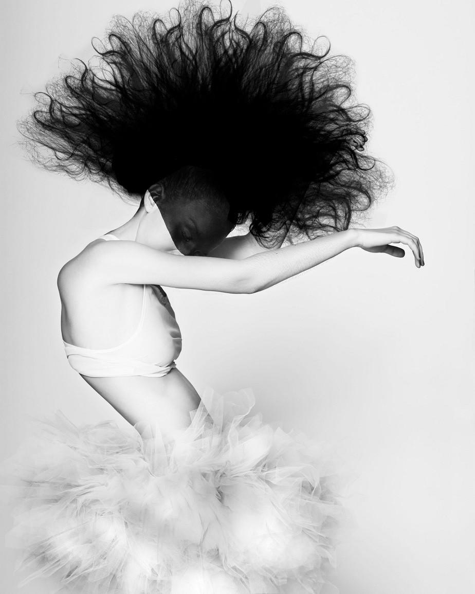 Beautiful black & white portrait of a ballerina by Wix Photographer Juliette Jourdain