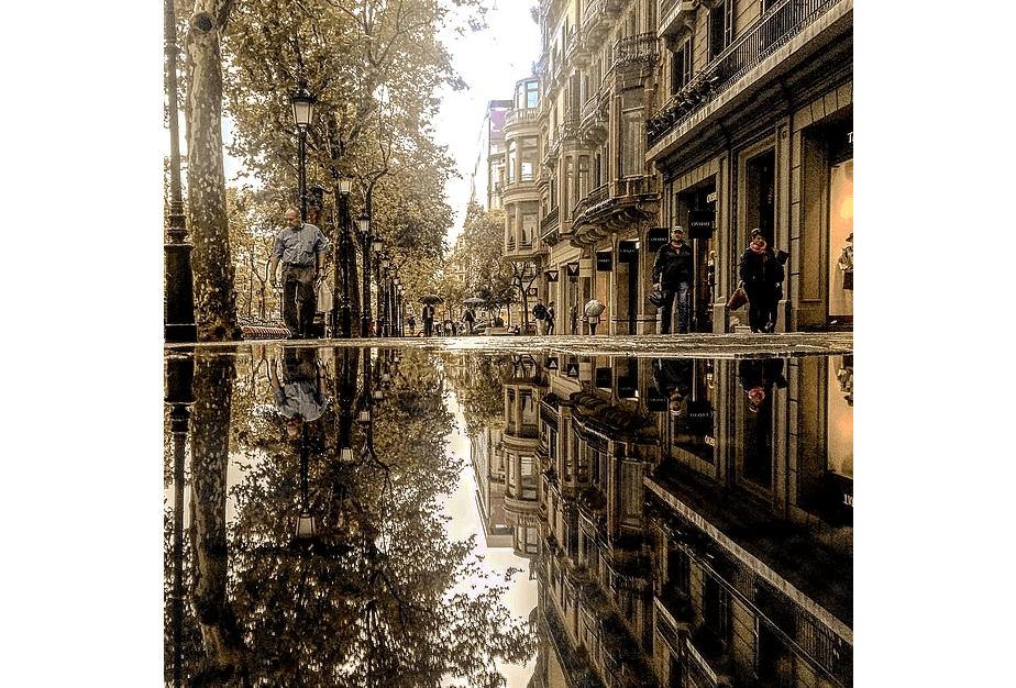 Reflection photography by Guido Ruiz