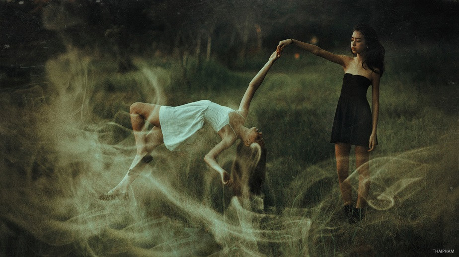 Surreal Picture of Two Women by Wix Photographer Thai Pham