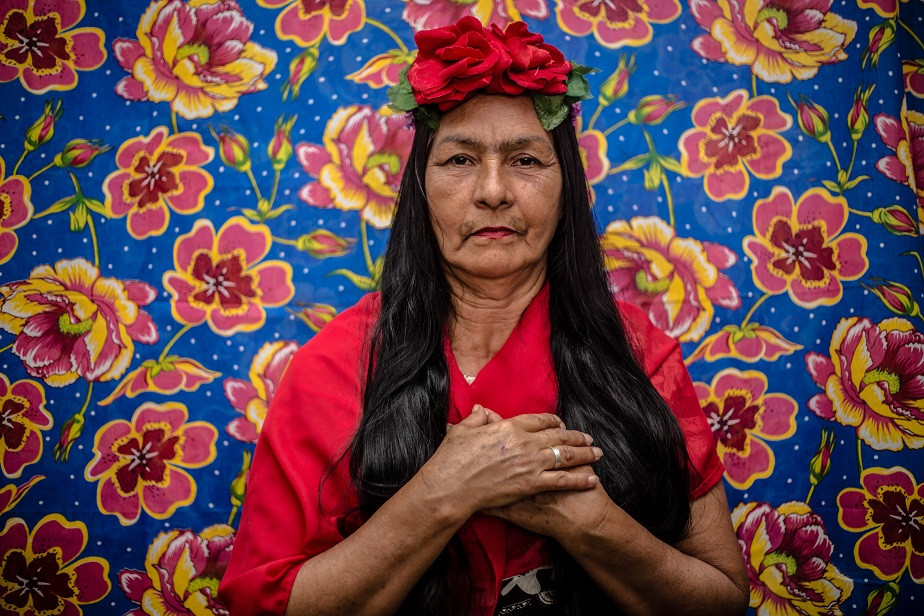 old woman dressed as frida kahlo by wix photographer camila fontenele