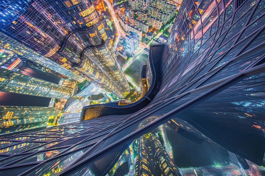 View from the top of a Dubain skyscraper by Wix landscape photographer Albert Dros