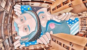 Este artista usa el cielo como lienzo para sus obras