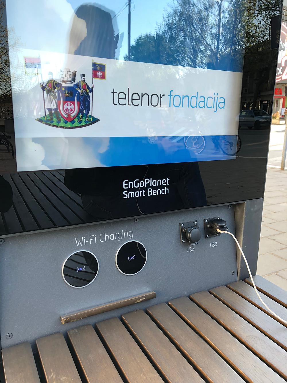 smart solar bench charging