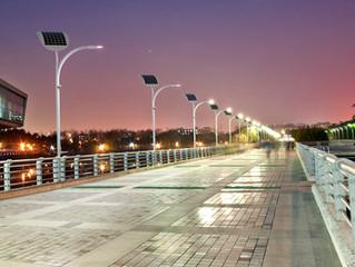 EnGoPlanet Solar Street Light vs Traditional Street Light