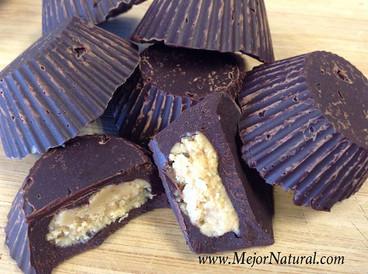 Chocolates rellenos de crema de cacahuate