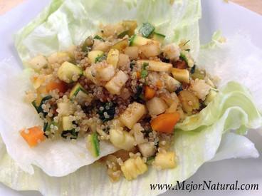 Picadillo de vegetales y quinoa con salsa de jengibre