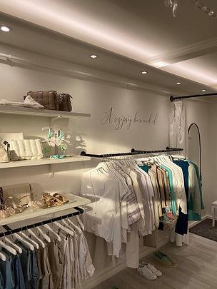 Il Nido Boutique Shop Interior Cegled.jp