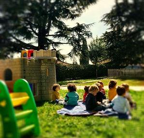 Sole e relax nel giardino dell'Isola | Kid's Summer School