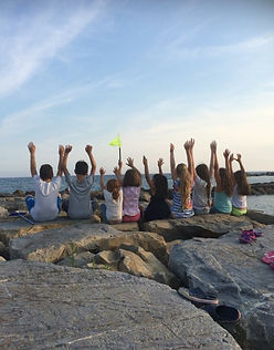 I bimbi dell'Isola si divertono in riva al mare (Summer camp 2017)