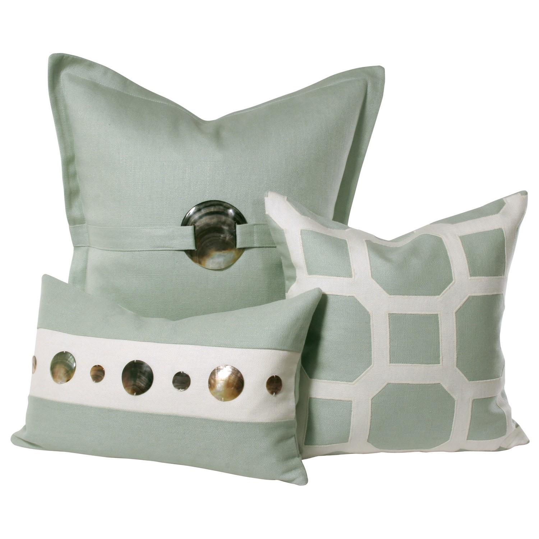 V Rug pillow 2