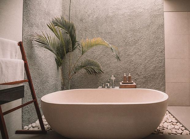 Pink Bath Tub_edited_edited_edited.jpg