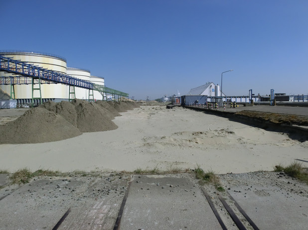 CIMG2107-future railway spur.JPG.jpg