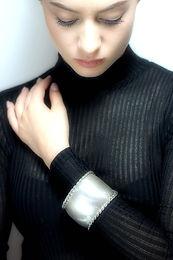 Bangles/Bracelets