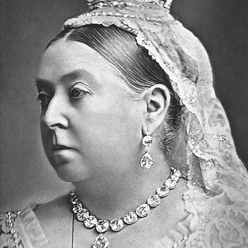 Queen_Victoria_(1887)_edited_edited.jpg