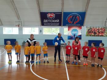 """Сегодня в ССК """"Виктория-2"""" стартовали соревнования по футболу среди мальчиков 2014-2015 г.р."""